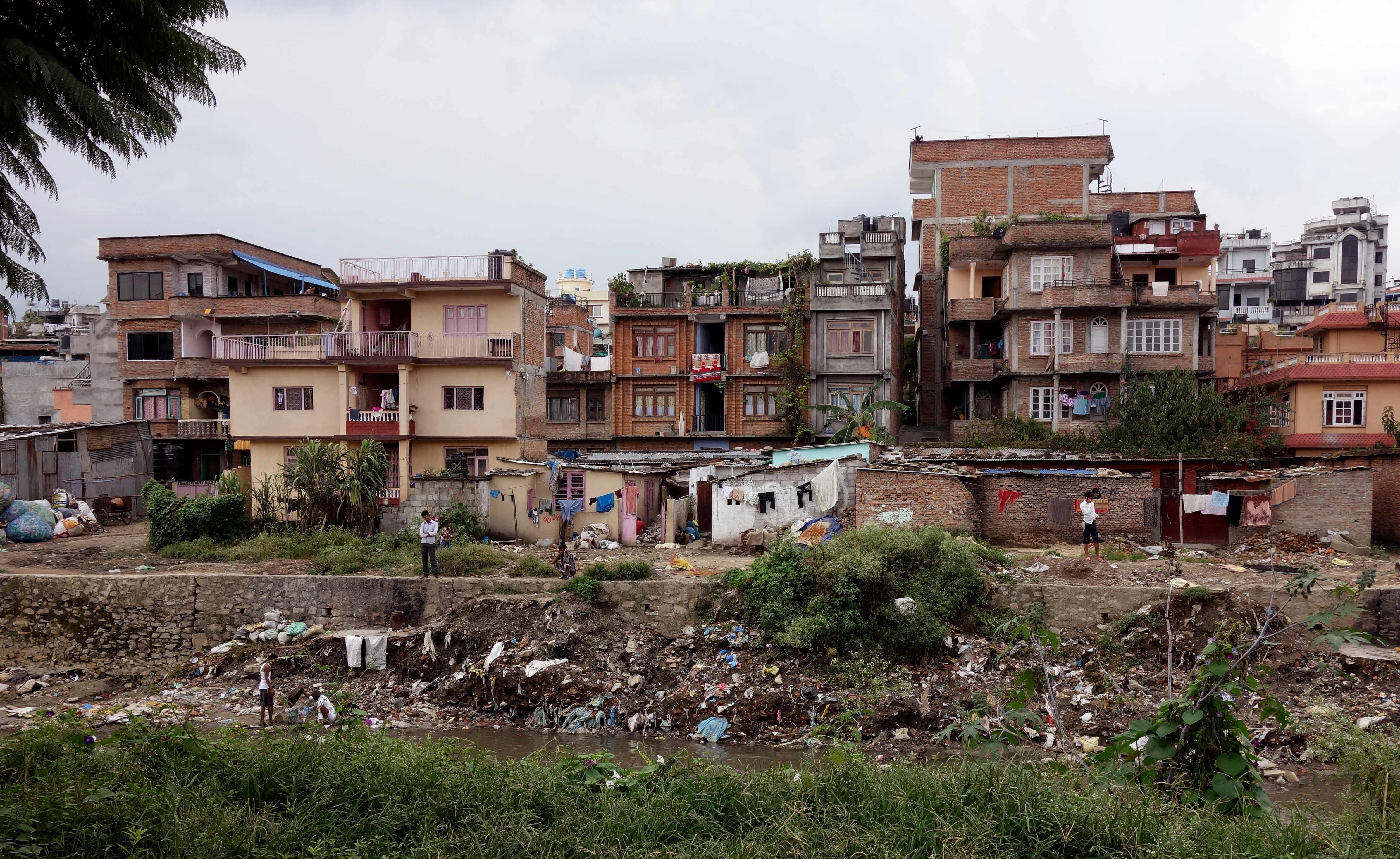 Nepal Kathmandu Fluss Müll