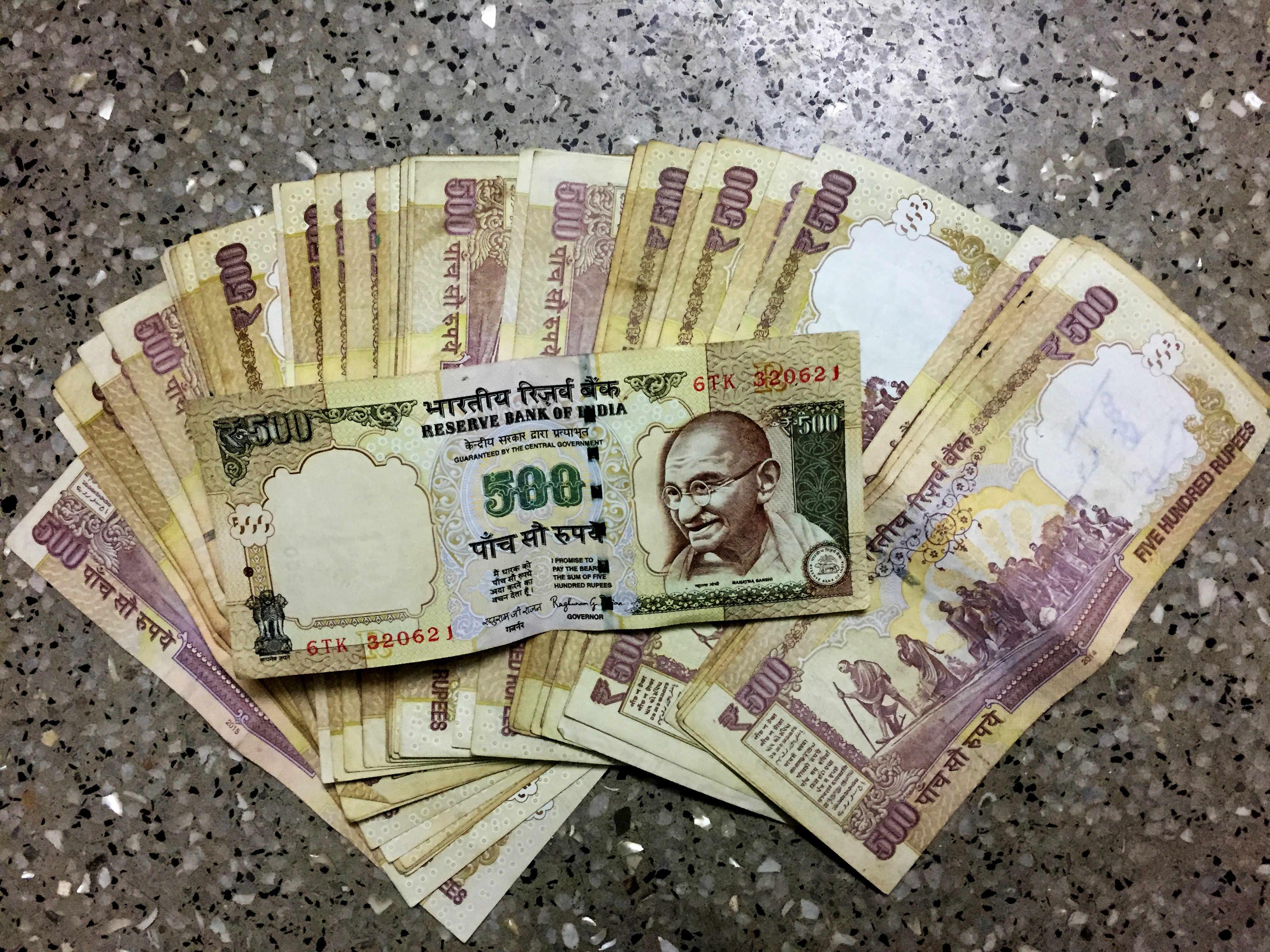 Indien Finanzkrise Rupie Scheine