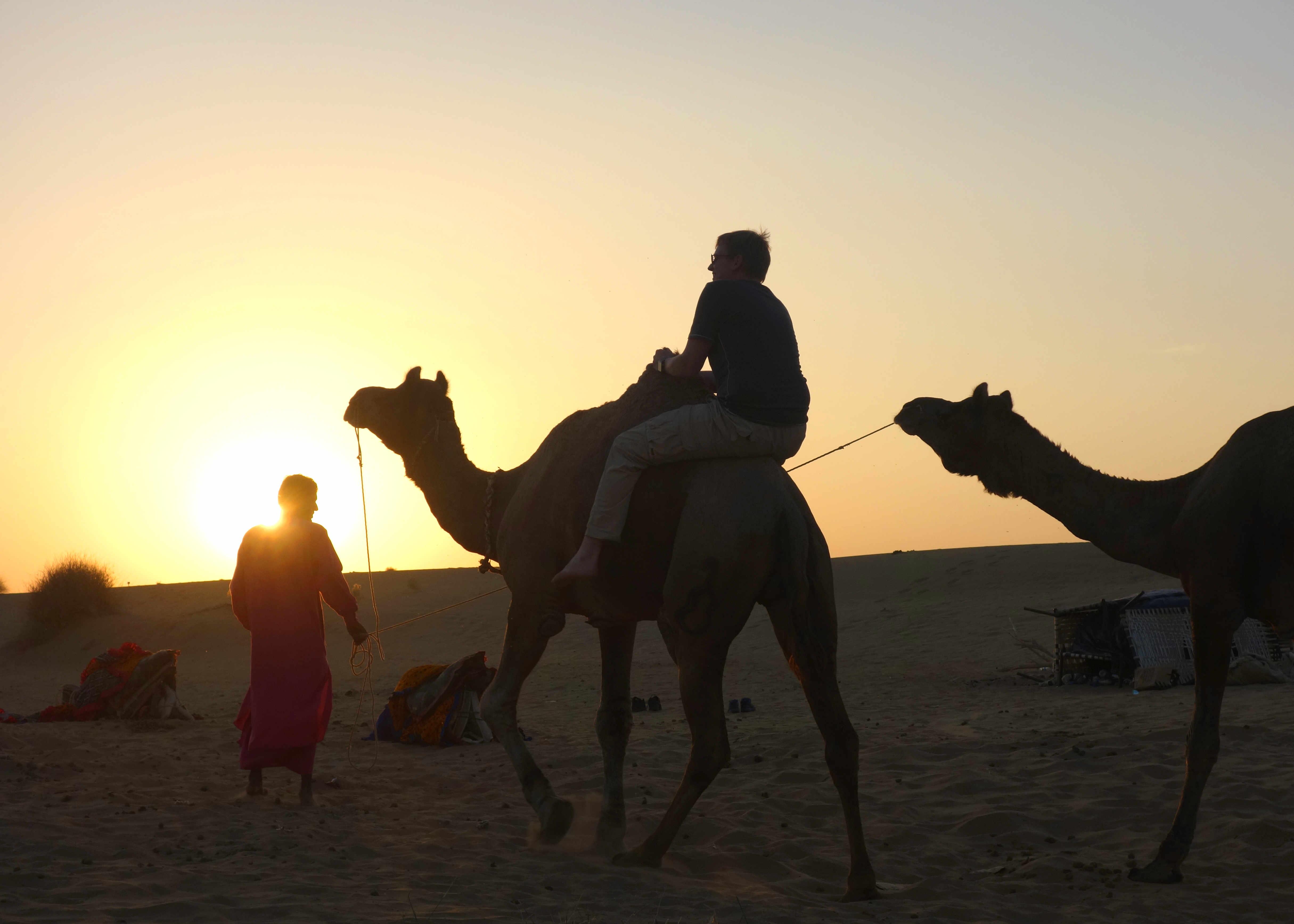 Indien Jaisalmer Kamelsafari Reiten ohne Sattel