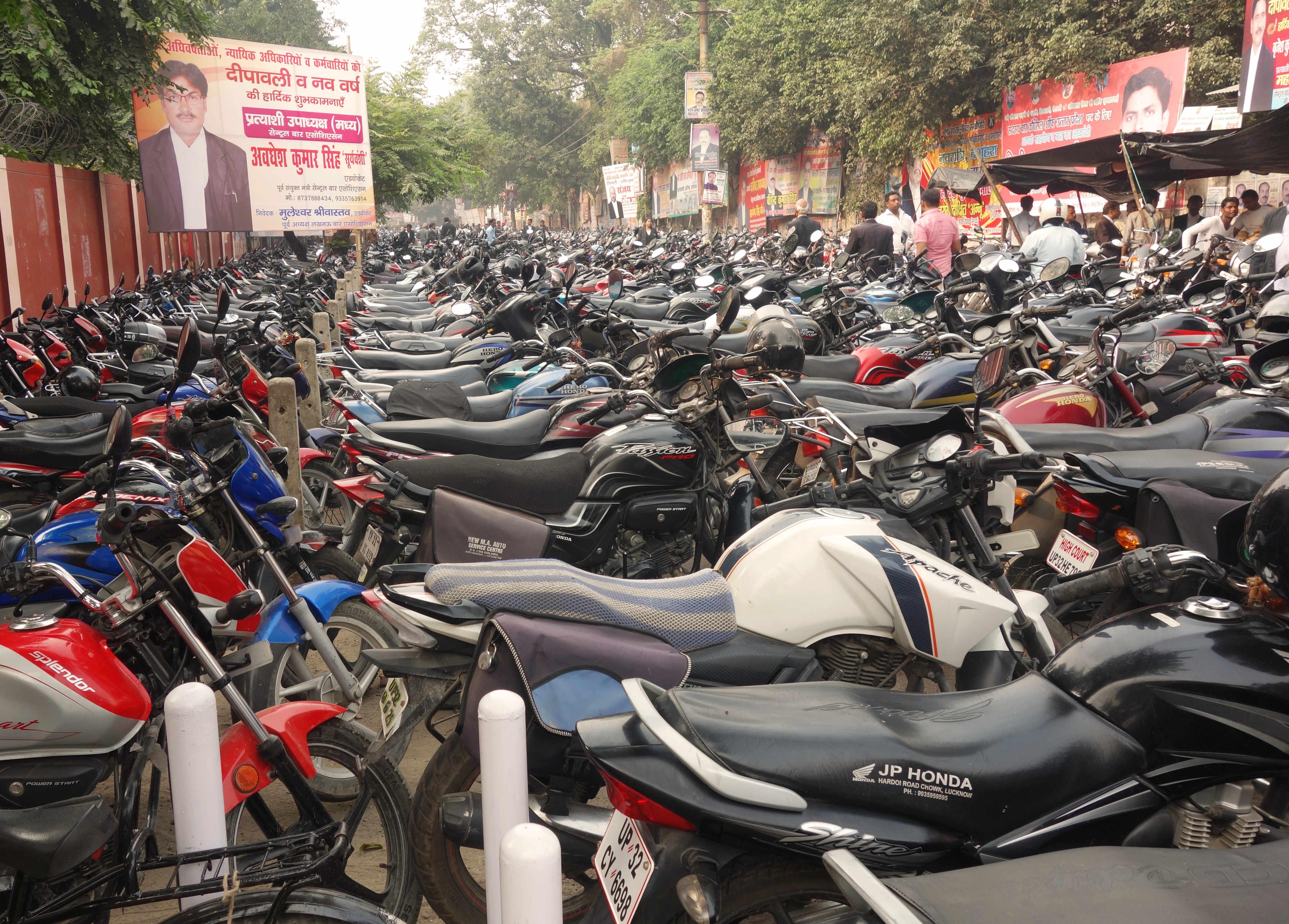 Indien Lakhnau Motorräder