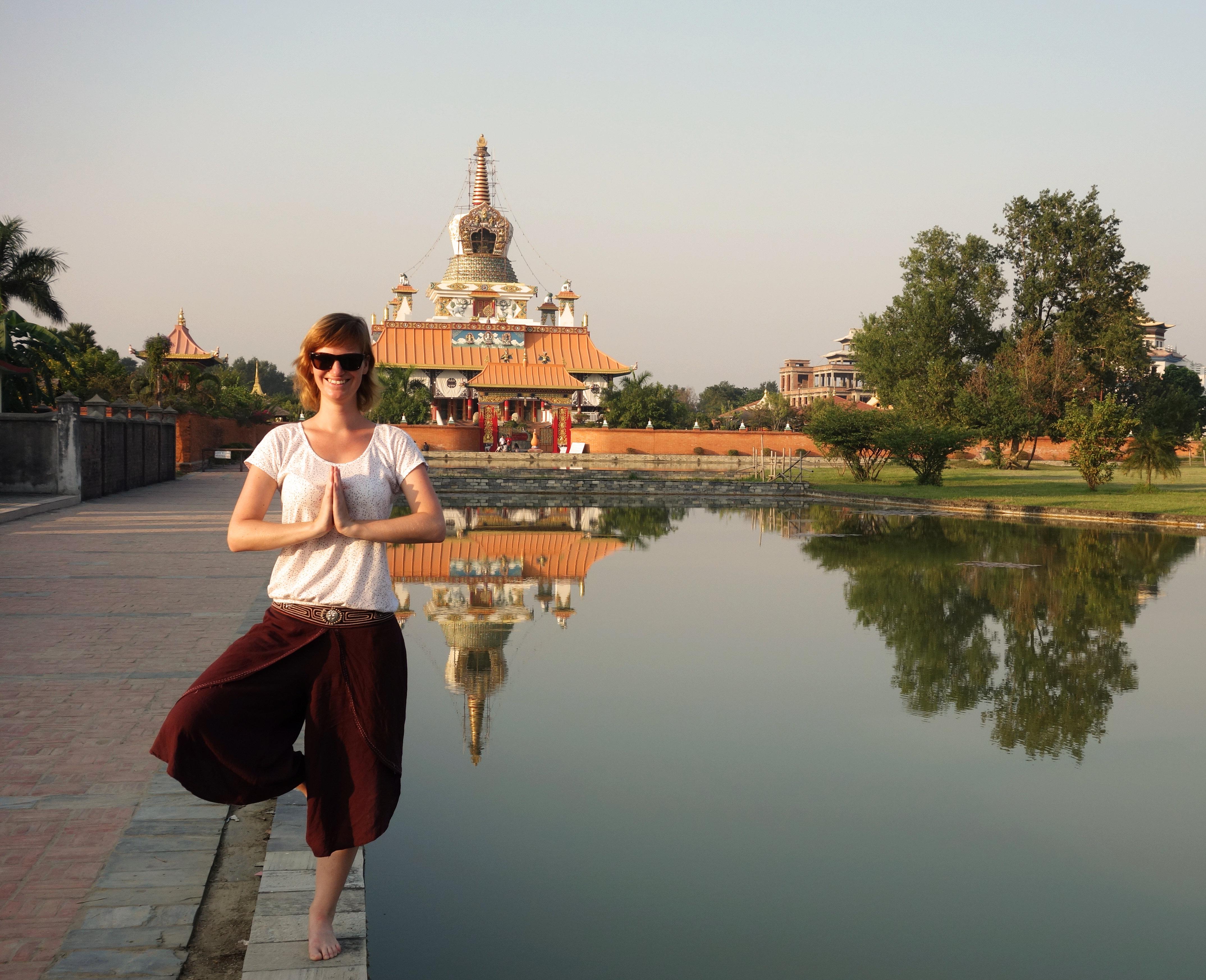 Nepal Lumbini Yogapose