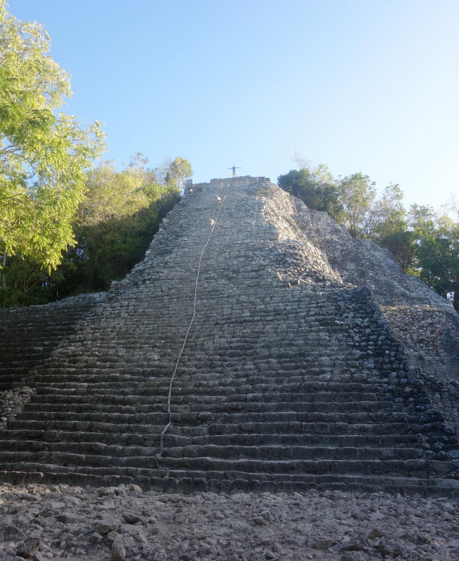 Mexiko Coba Pyramide von unten