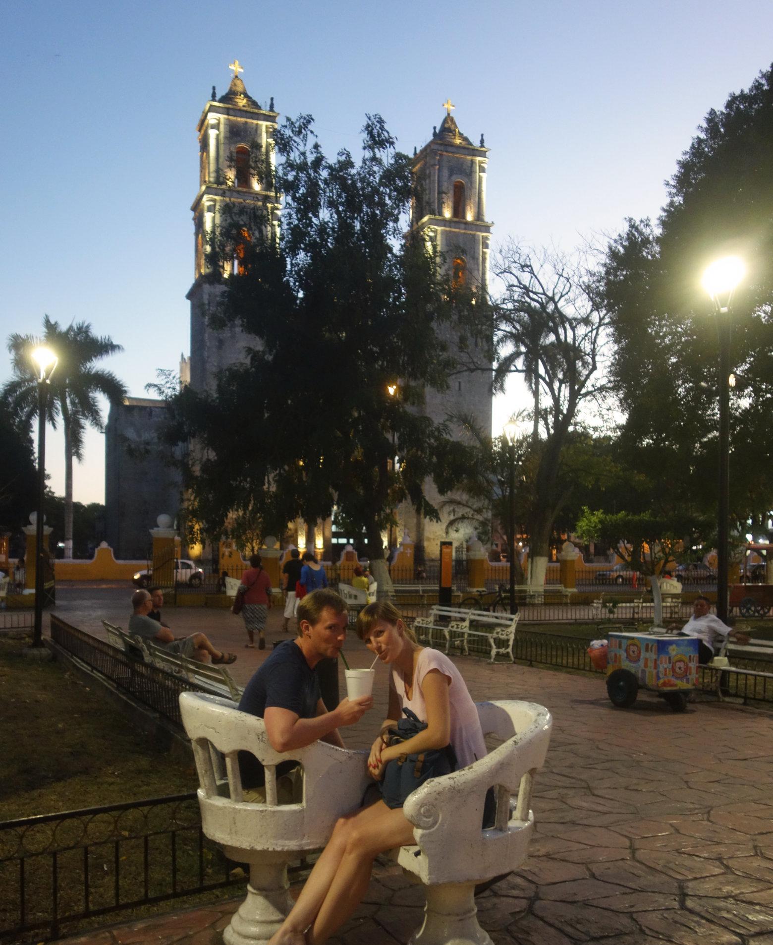 Mexiko Valladolid Zocalo Paarstuhl