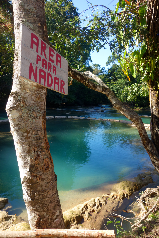 Mexiko Palenque Agua Azul Schwimmbereich