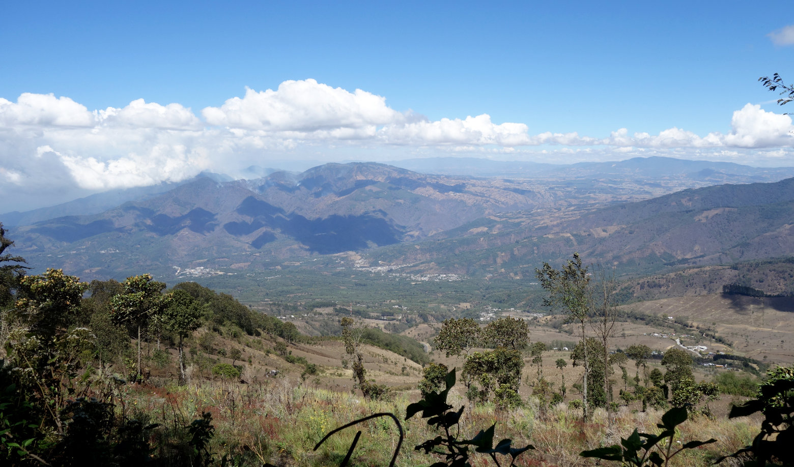 Guatemala Antigua Wanderung Blick auf die Felder