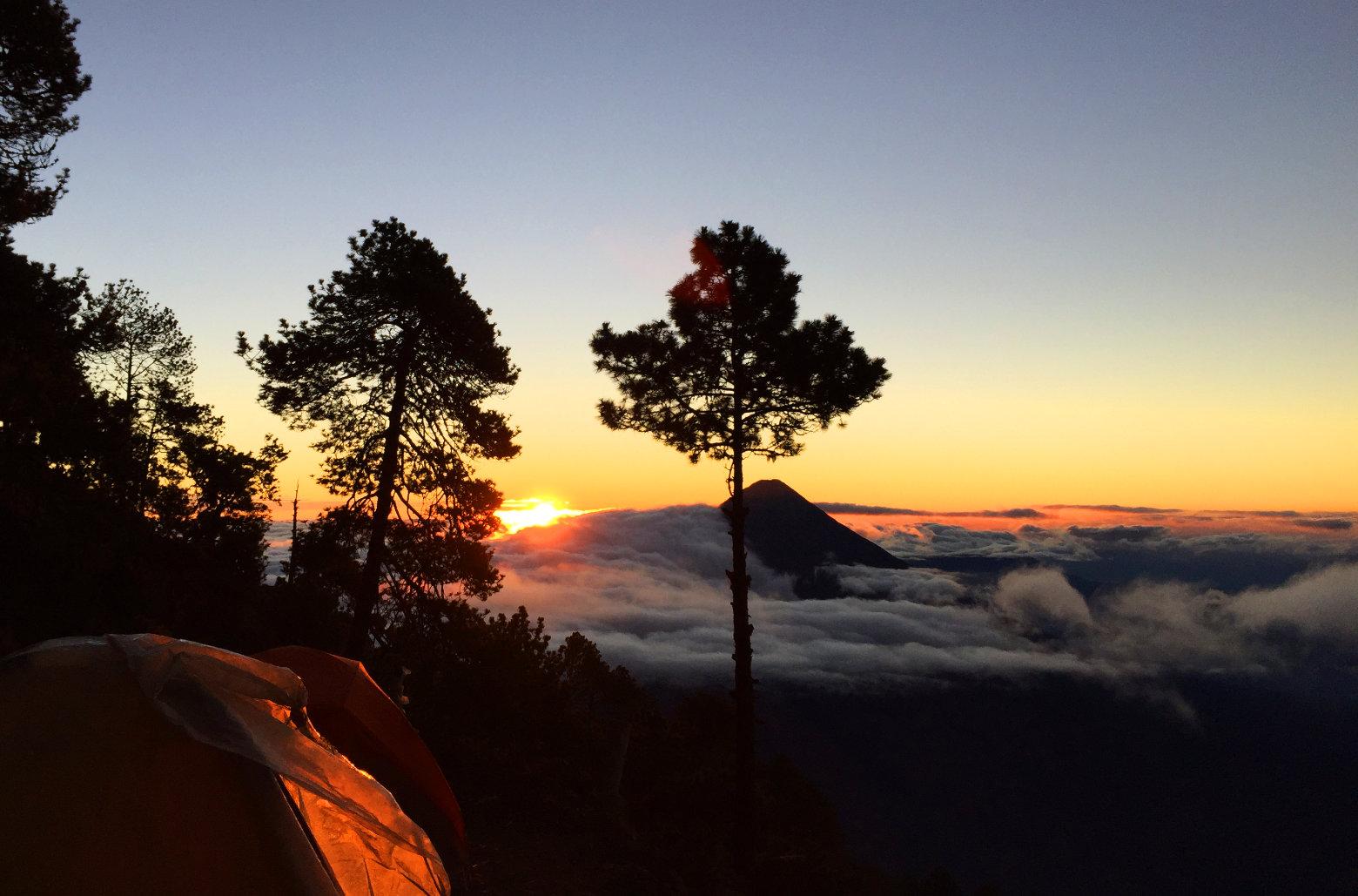 Guatemala Antigua Acatenango Sonnenaufgang Basecamp