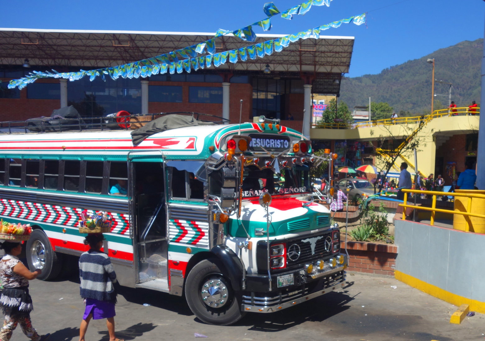 Guatemala Reisetipps Transport Chickenbus