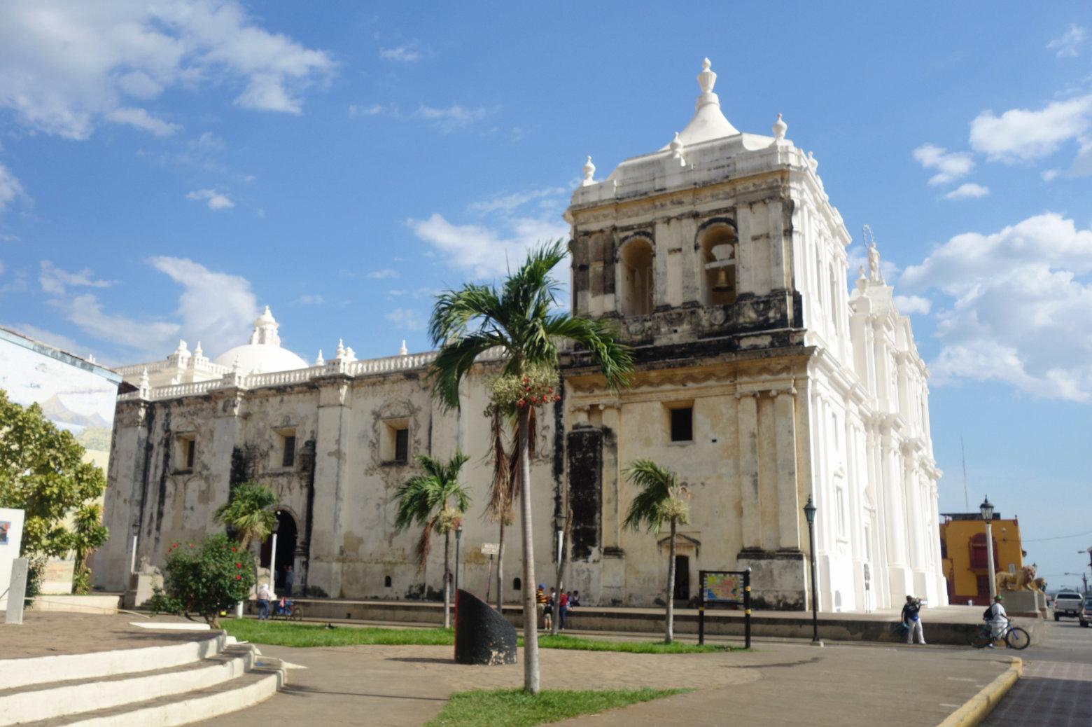 Nicaragua León Kathedrale Seitenansicht