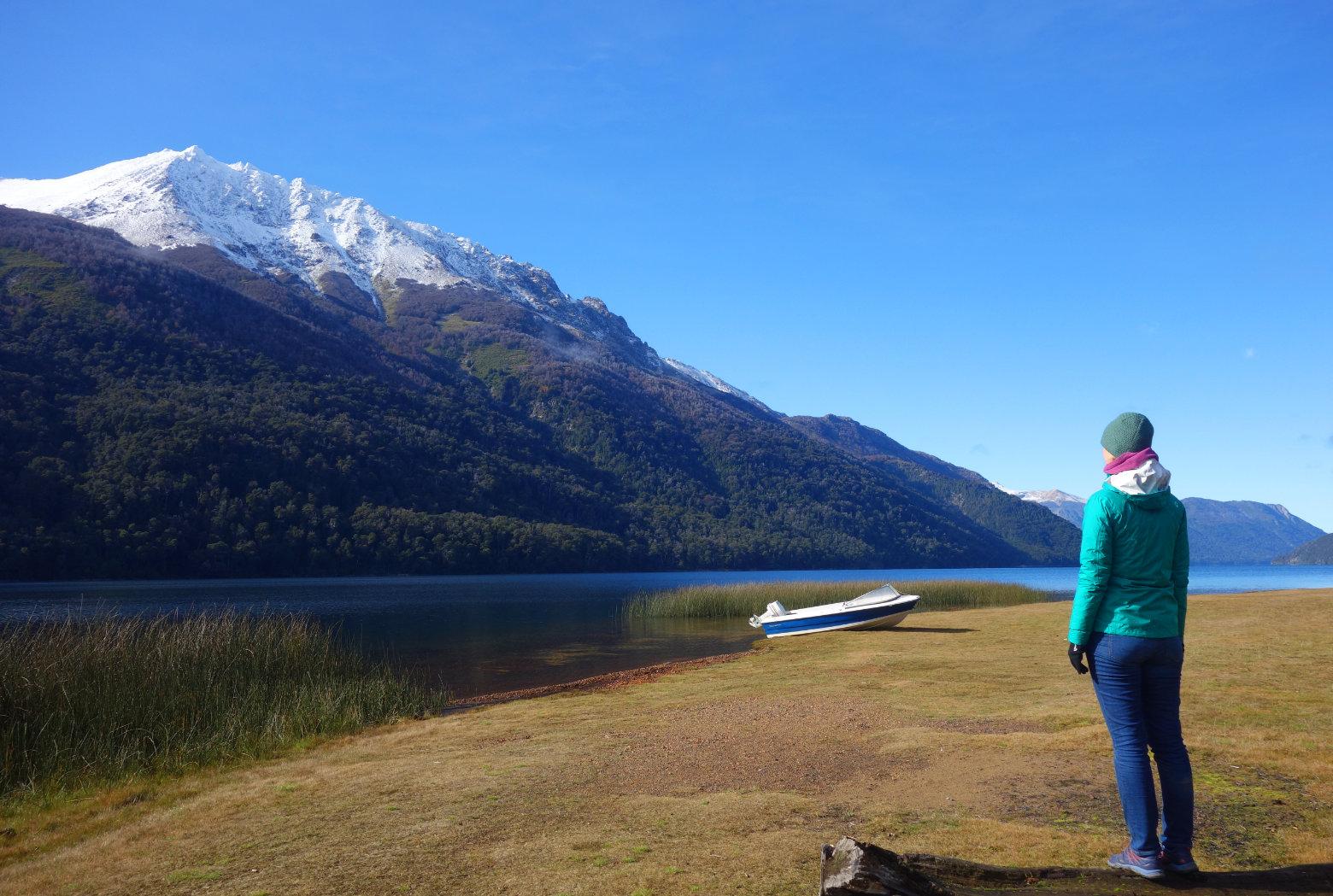 Argentinien Seengebiet Lago Traful mit Berg