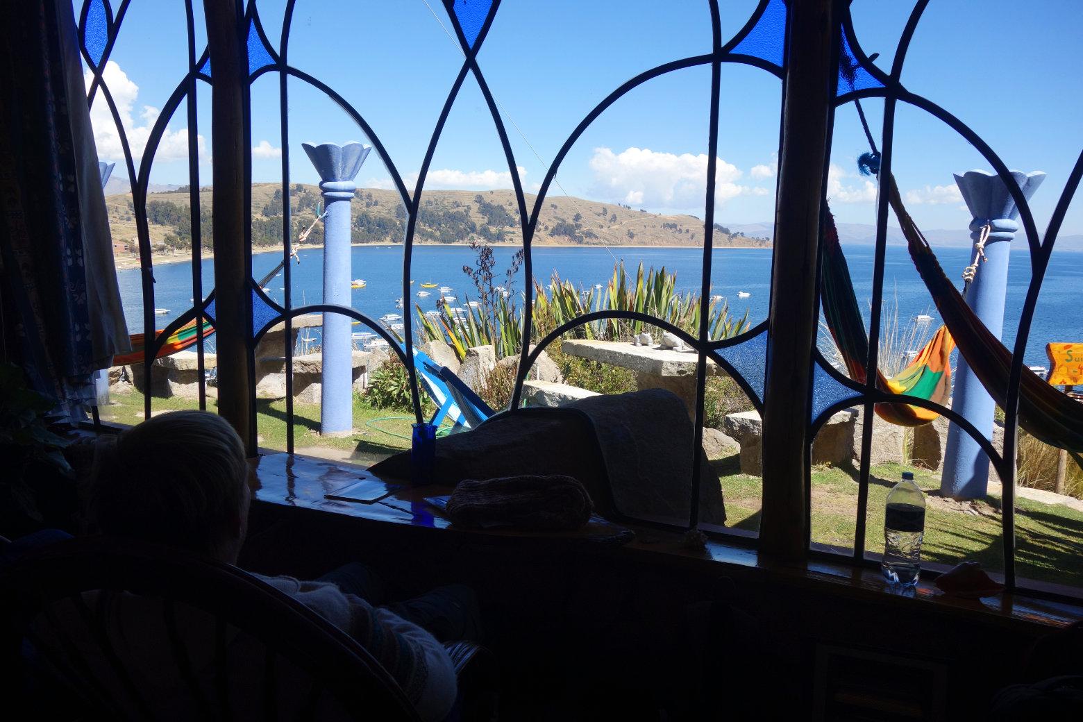 Bolivien Titicacasee Blick von Unterkunft auf See