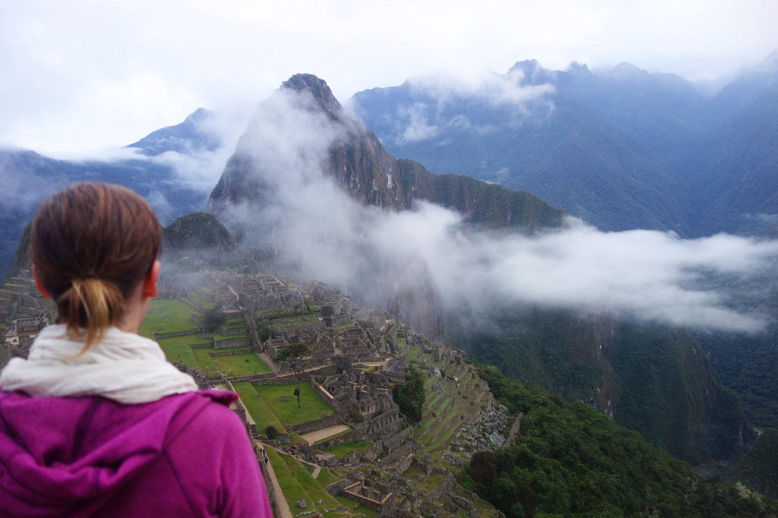 Machu Picchu am Morgen mit Nebel