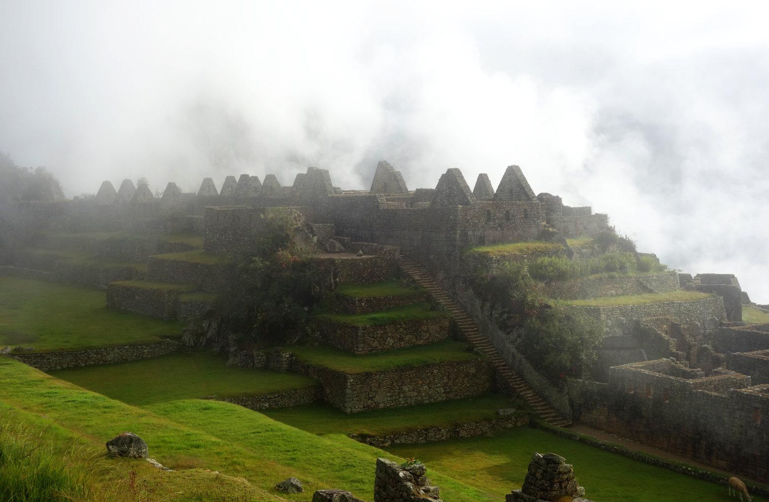 Machu Picchu Ruinen im Nebel