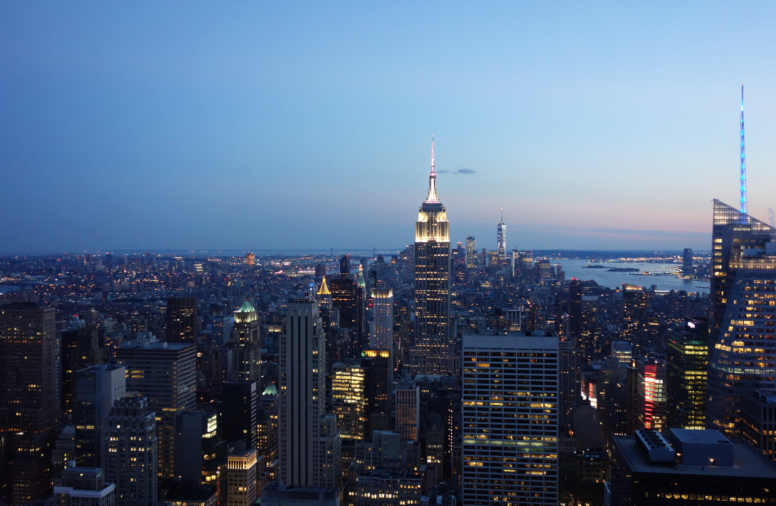 New York Blick Top of the Rocks abends