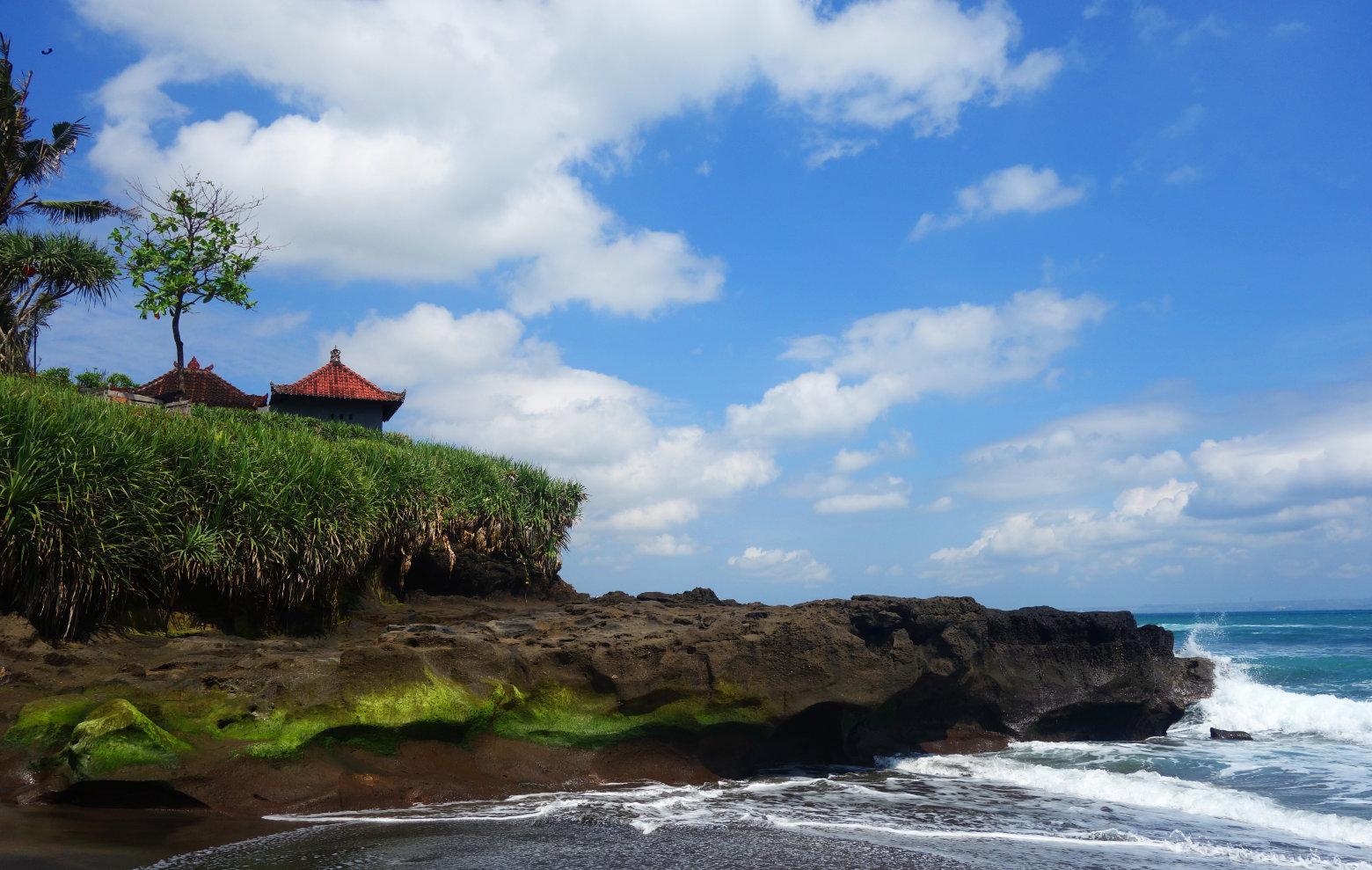 Bali Canggu Klippen Tempel und Meer