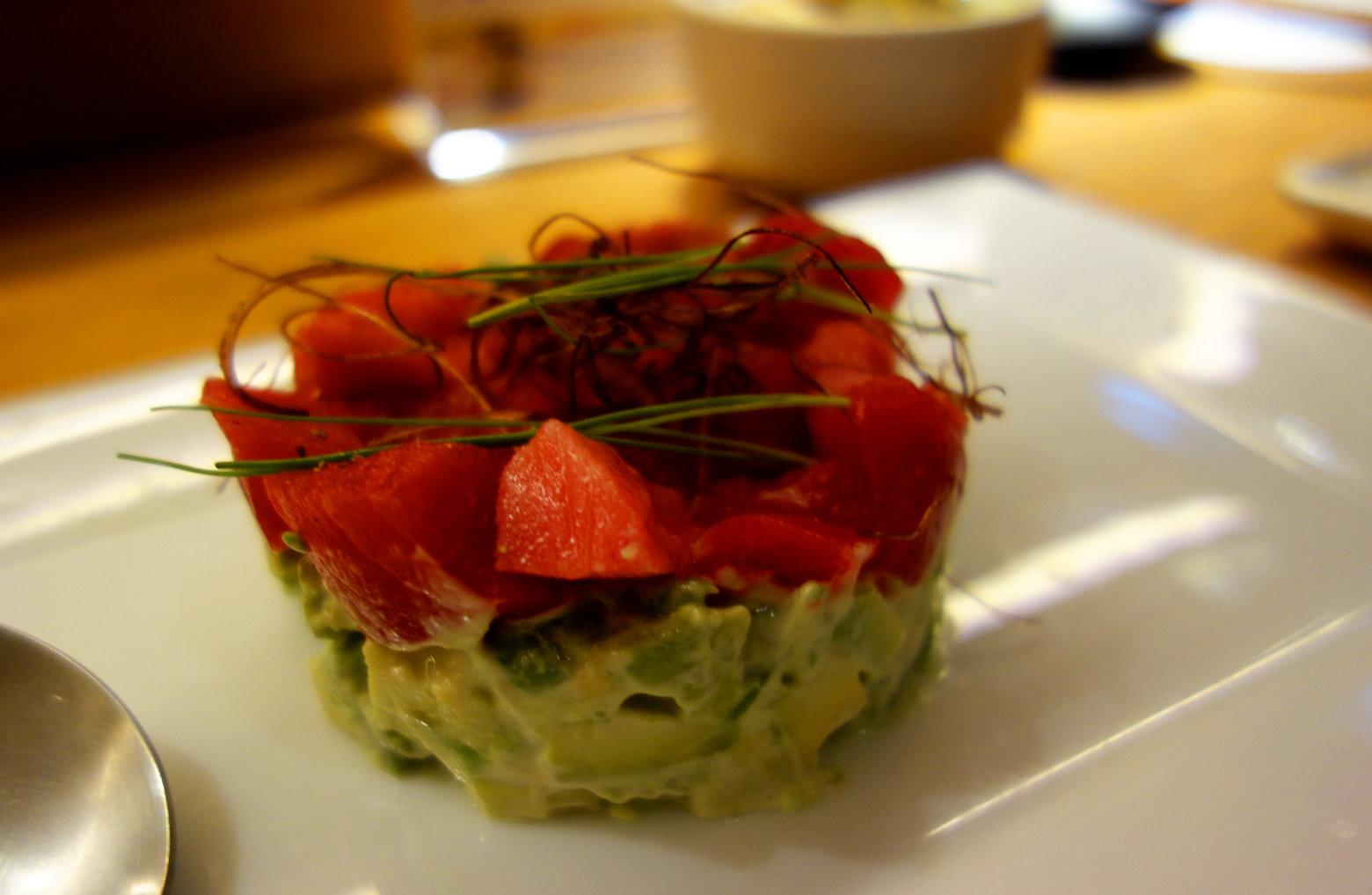 Japan Essen Thunfisch und Avocado
