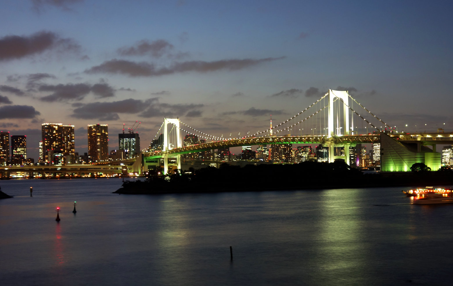 Japan Tokio Rainbow Bridge_Beleuchtung
