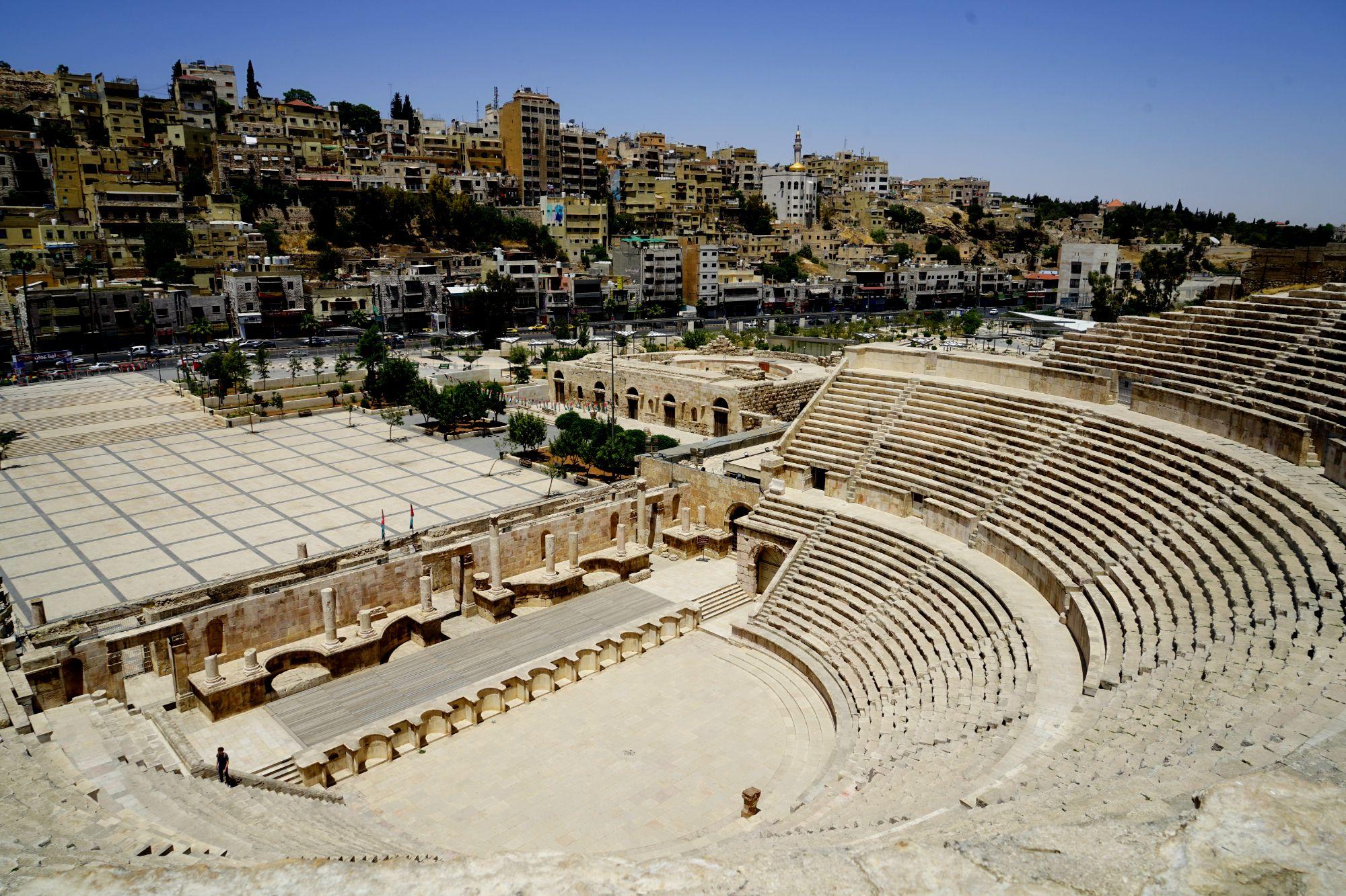 Amman Römisches Theater Sitze und Stadt