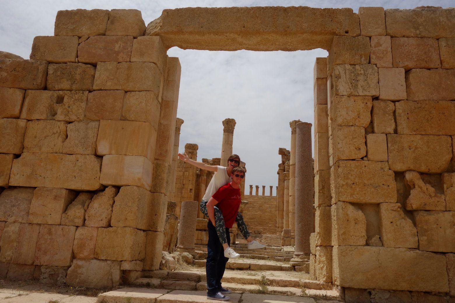 Jerash Ruinen Huckepack