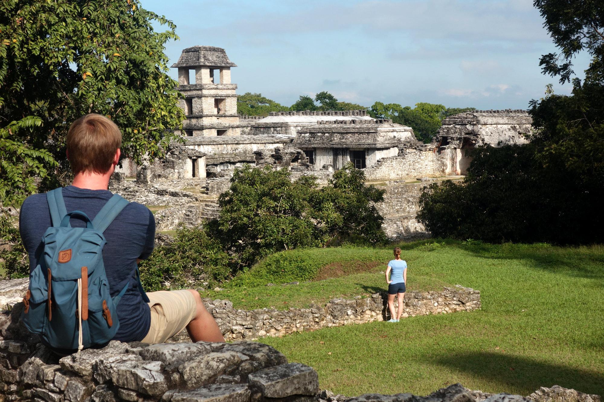 Palenque Ruinen mit Paar