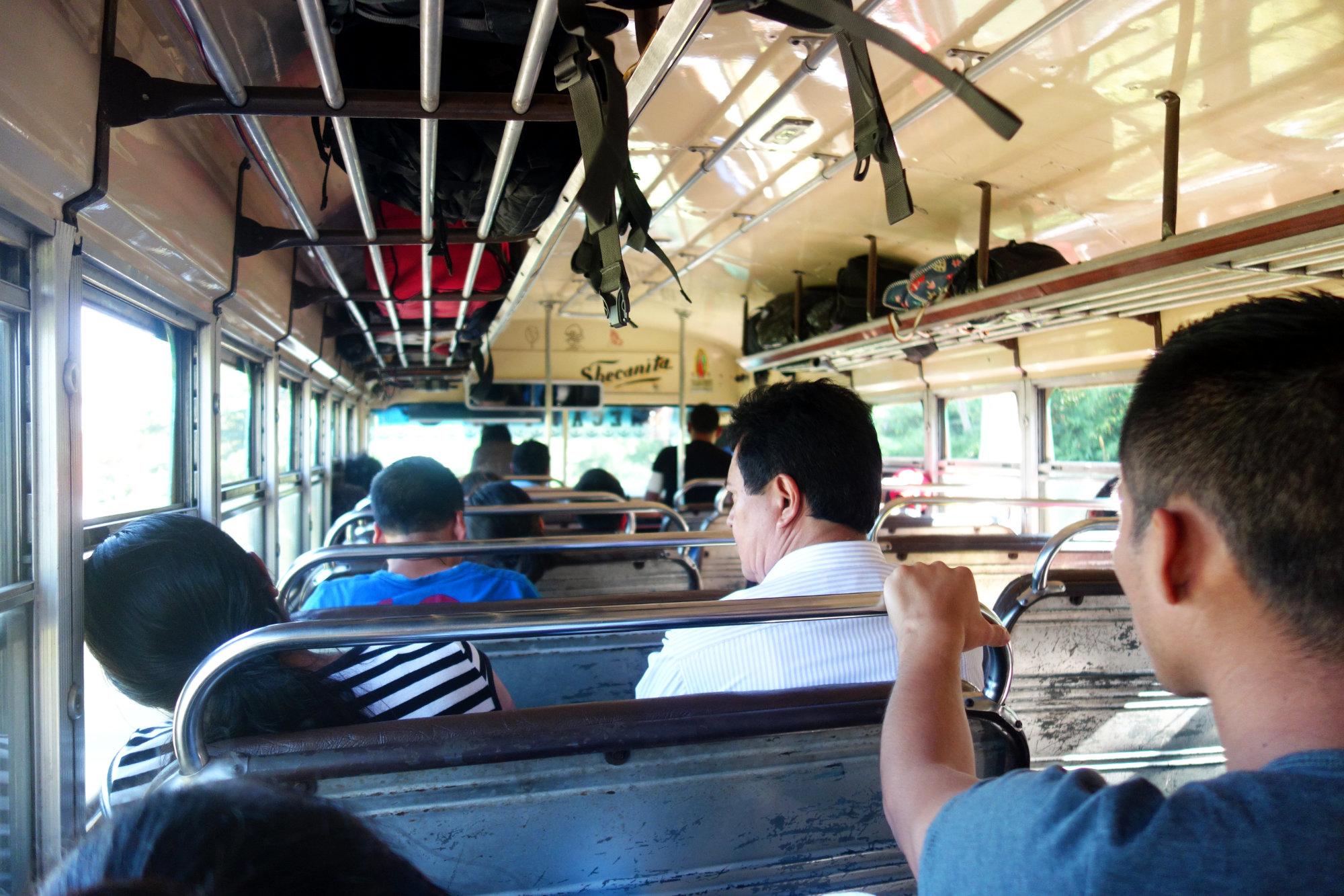 Guatemala Bus innen