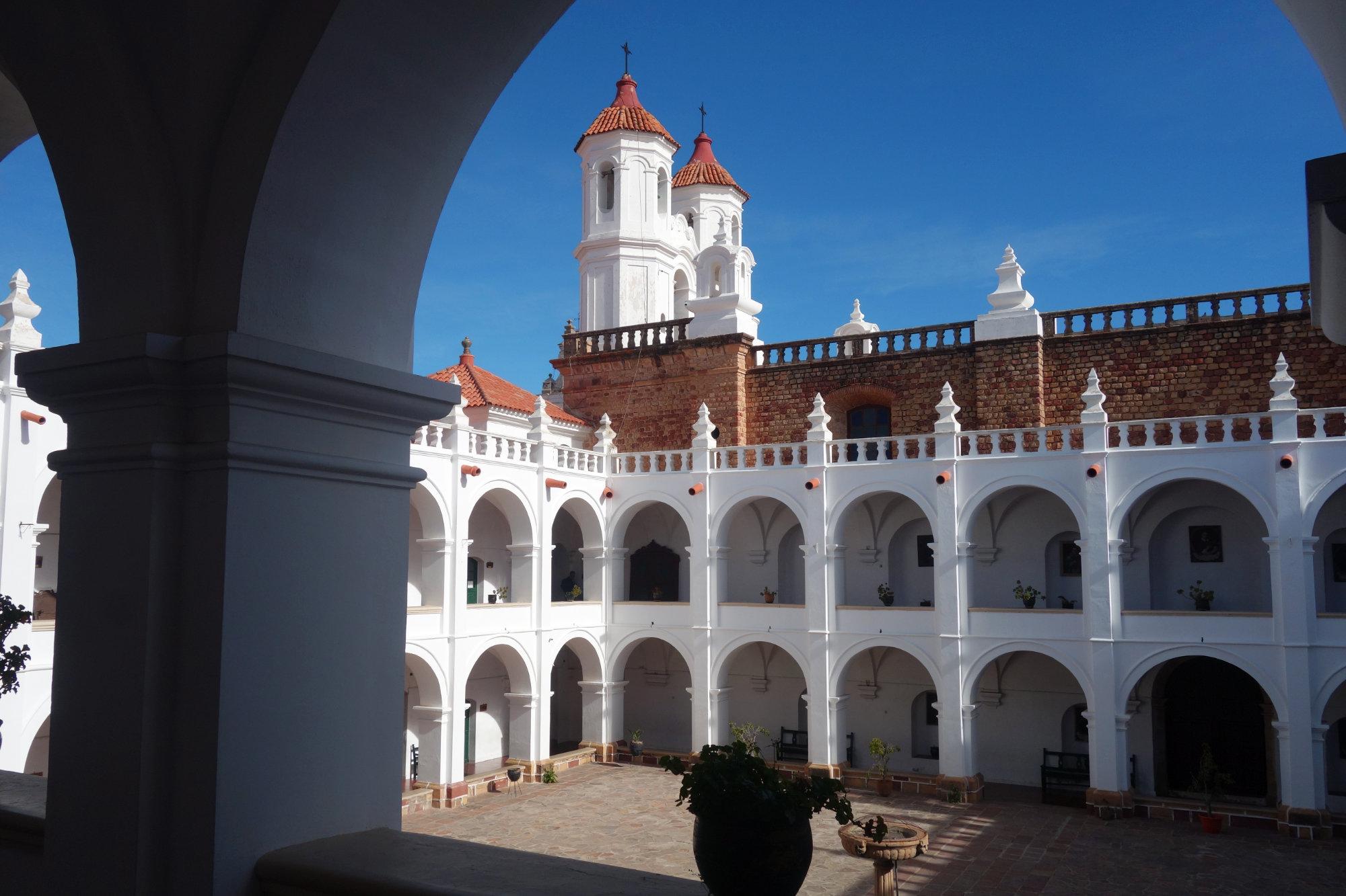 Sucre Convente San Felipe mit Torbogen