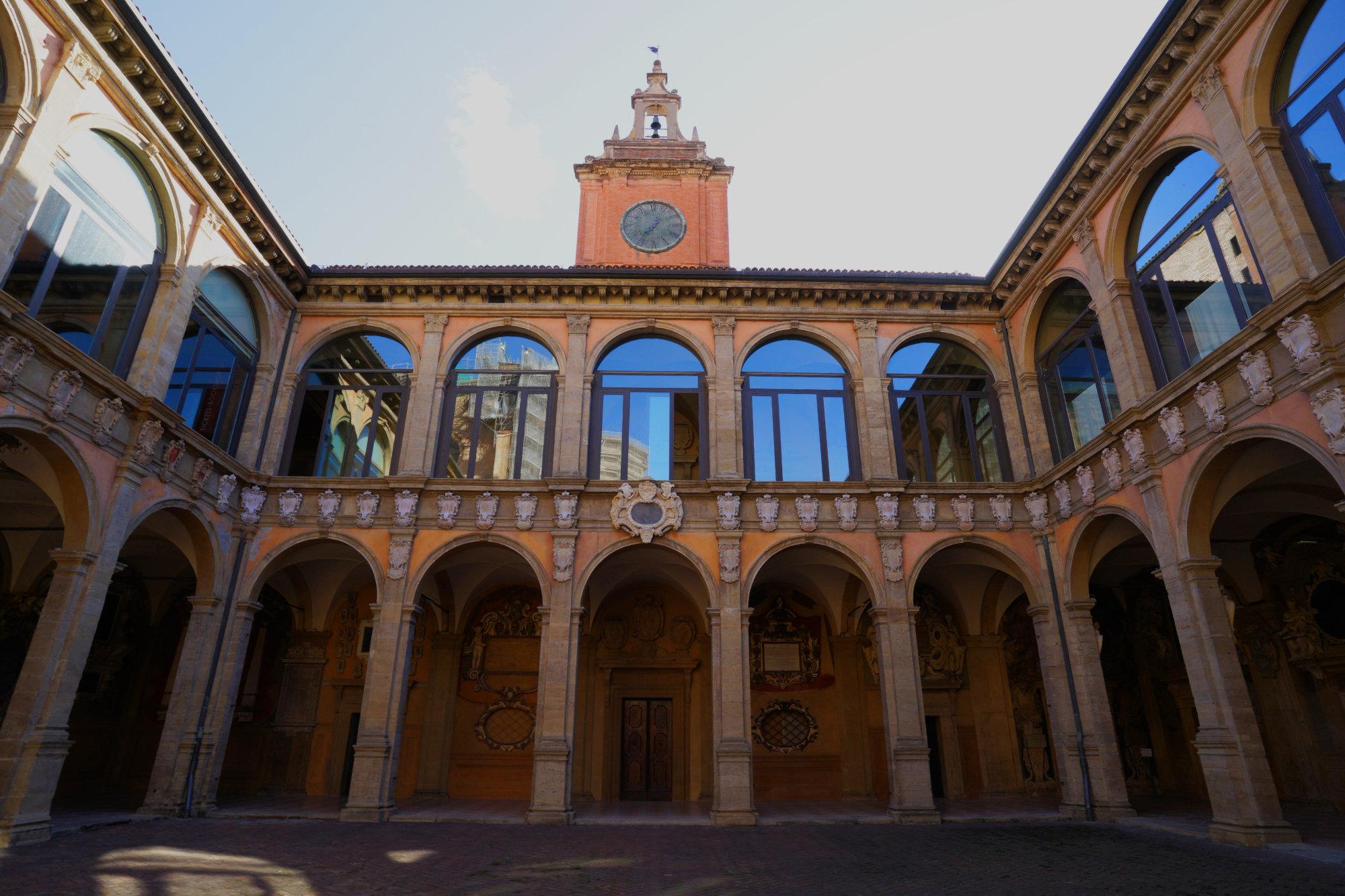 Bologna Sehenswürdigkeiten Archiginnasio