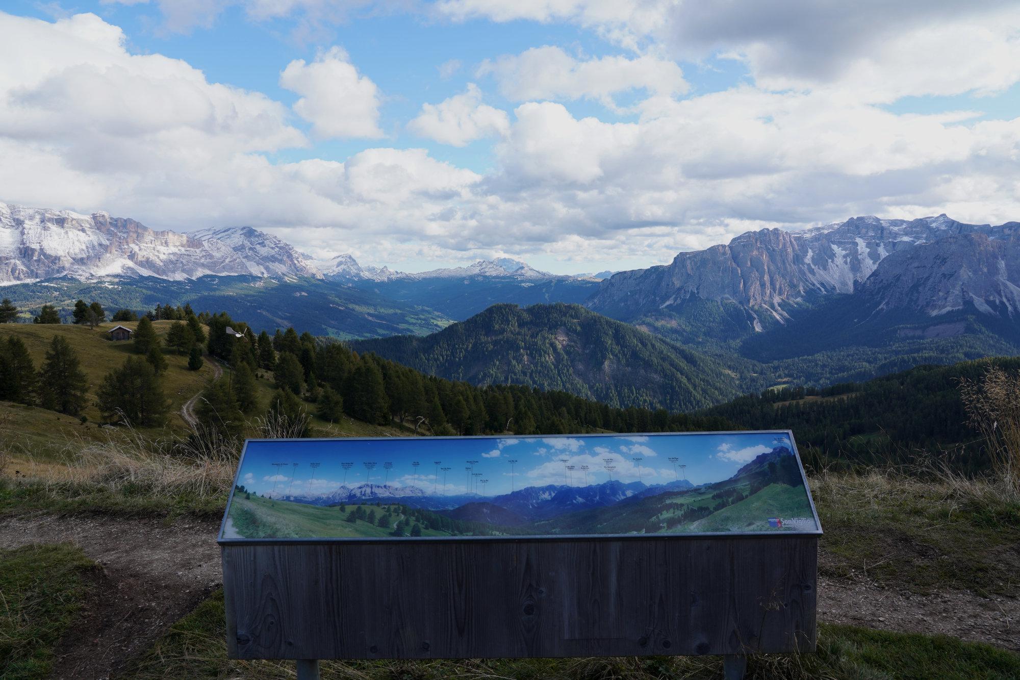 Dolomiten Peitlerkofel Infotafel Berge