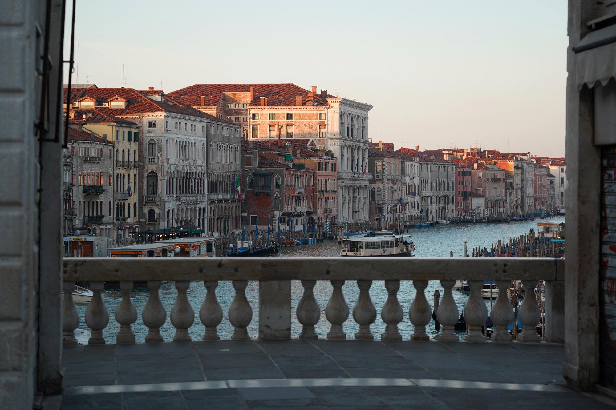 Venedig Rialtobrücke Blick Morgen