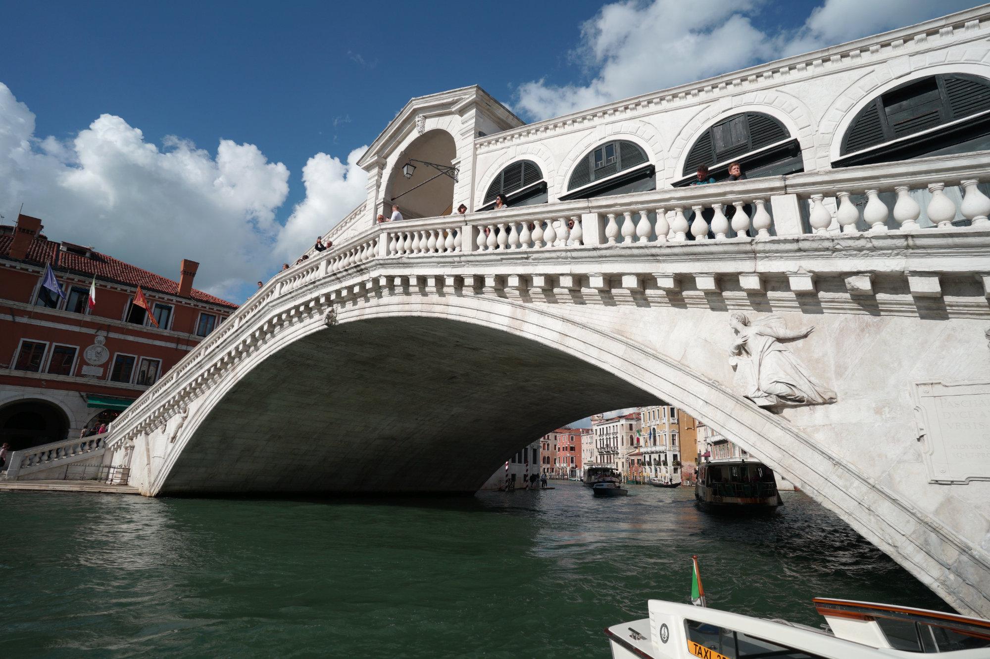 Venedig Rialtobrücke von vorn
