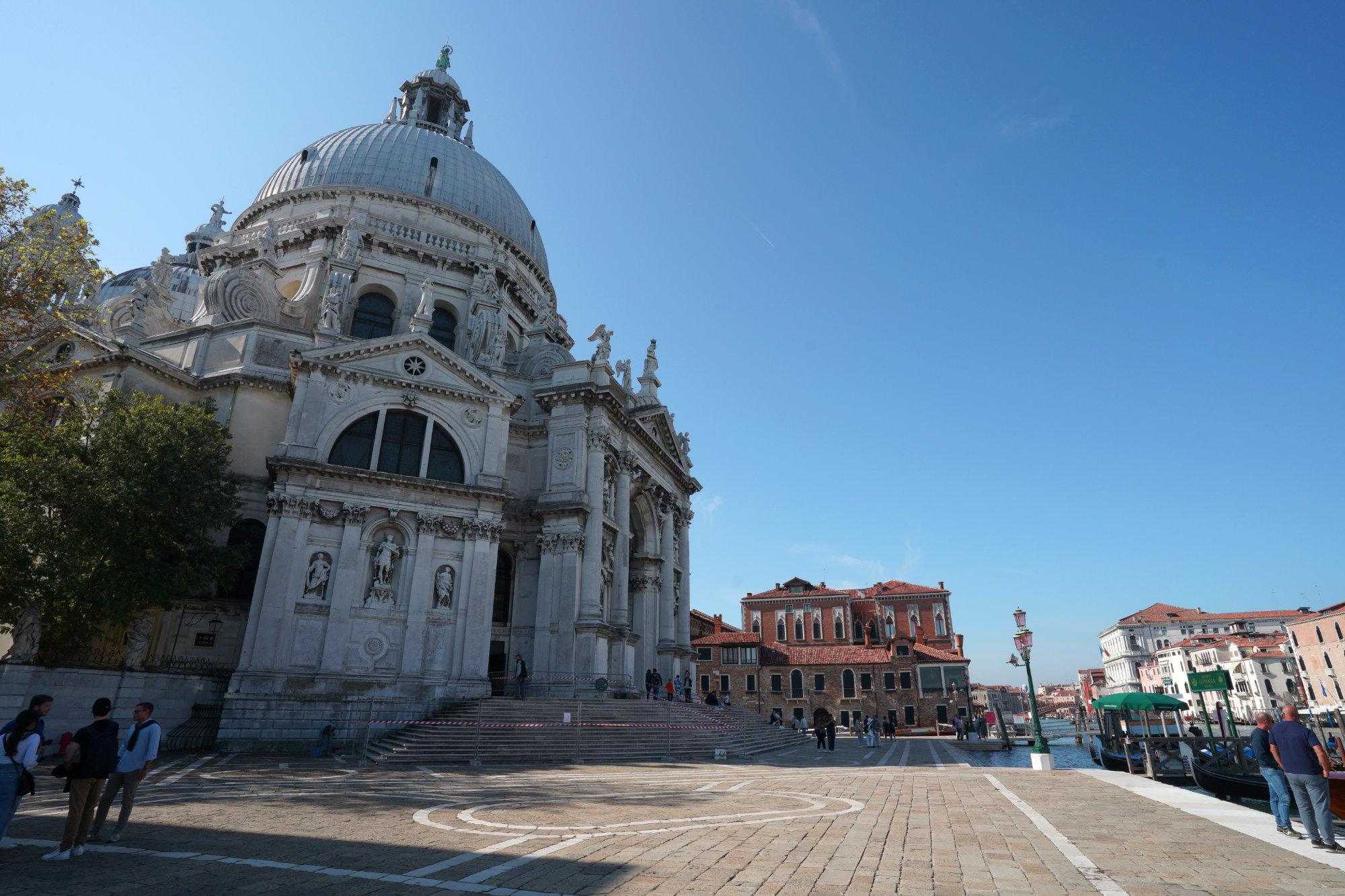 Venedig Santa Maria Salute und Häuser